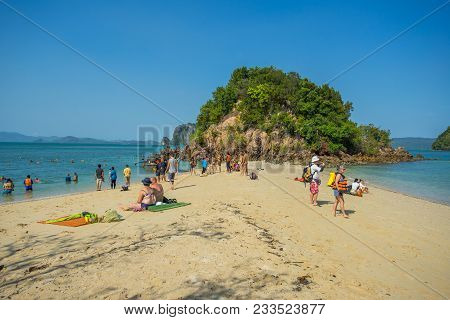 Krabi Thailand 3 Feb 2018: Many People Playing And Swimming In The Sea At Phak Bea Island In Krabi P