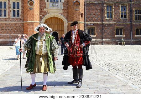 Hampton, Great Britain - May 18, 2014: These Are An Unidentified Artist In The Characters Of King He