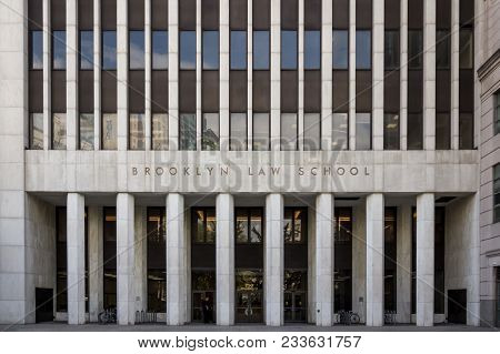 Brooklyn, Ny, Usa - Aug 18, 2017: Brooklyn Law School Nyc Exterior In Daytime