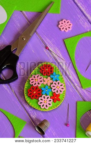 Easy Felt Easter Egg Decor. Handmade Felt Easter Egg With Bright Wooden Buttons. Felt Scrap, Scissor