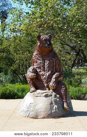 Los Angeles - March 28, 2018: Short-faced Bear (arctodus Sinus) Statue. The Short-faced Bear Had An