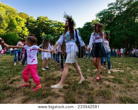 Uzhgorod, Ukraine - 07 Jul, 2016: Young Female Round Dance On Ivana Kupala Fest. Popular Holiday In