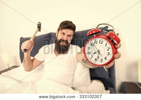 It Is Totally Normal To Hate Your Alarm Sound. Hateful Schedule. Best Alarm Clocks For People Who Ha
