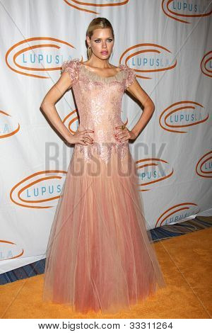 LOS ANGELES - MAY 24:  Sophie Monk arrives at the 12th Annual Lupus LA Orange Ball at Beverly Wilshire Hotel on May 24, 2012 in Beverly Hllls, CA