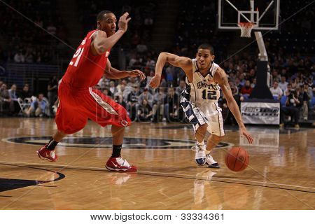 Penn State guard, Talor Battle in a game against Ohio State