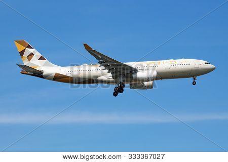 Istanbul / Turkey - March 28, 2019: Etihad Airways Airbus A330-200 A6-eyf Passenger Plane Arrival An