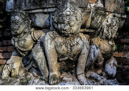 Wat Mahathat Is A Temple In Sukhothai Town Since Ancient Times. And Is The Temple Of Sukhothai Kingd