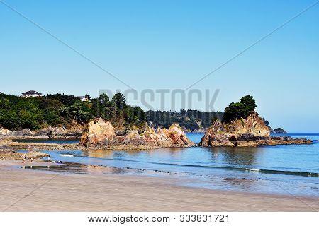 Os Castelos Rocks In Seiramar Beach, Between Covas A Sacido Beach, In Viveiro, Lugo, Galicia. Spain.