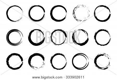 Round Grunge Brush Frames. Circle And Stamp Brush Stroke Borders, Artistic Brush Blots And Black Pai