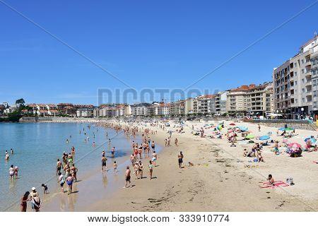 Sanxenxo, Spain. May 12, 2019. Silgar Beach At Famous Rias Baixas Crowded With People. Pontevedra Pr