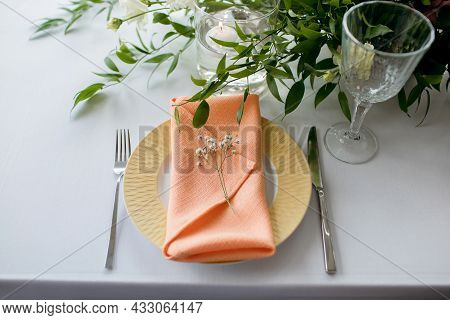 A Table In The Restaurant Is Served. The Cafe Hall Is Waiting For Guests For A Festive Dinner. The P