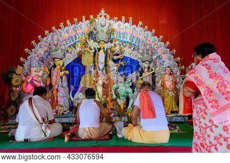 Howrah, West Bengal, India - 25th October 2020 : Pran Protistha Of Goddess Durga By Hindu Priests Wh