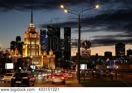 Moscow, Russia - September 2021: Cars In Traffic Jam On The Novy Arbat Street, Evening View To The H