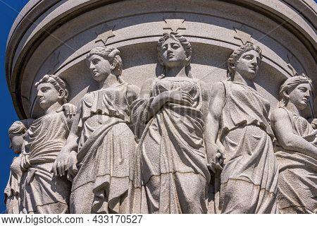 Usa, Virginia, Yorktown - March 30, 2013: Yorktown Victory Monument, Podium Section Featuring Closeu