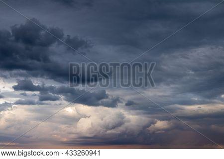 Dark Overcast Sky Texture, Natural Background Photo