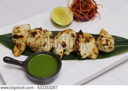 Tandoori Malai Chicken Tikka, Cream Based Marinated Tender Chicken Cubes Cooked In Clay Oven,  India