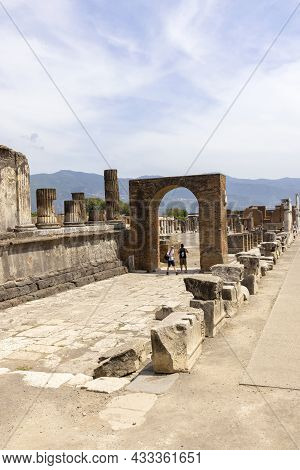 Pompeii, Naples, Italy - June 26, 2021: Ruins Of An Ancient City Destroyed By The Eruption Of The Vo