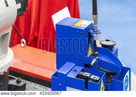 Automatic Welding Torch Cleaner Station For Robot Welding Tip And Nozzles Remove Spatter Debris To M