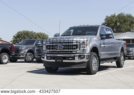 Kokomo - Circa September 2021: Ford F-350 Display At A Dealership. The Ford F350 Is Available In Xl,