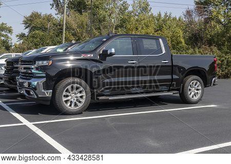 Kokomo - Circa September 2021: Chevrolet Silverado 1500 Display. Chevy Is A Division Of Gm And Offer