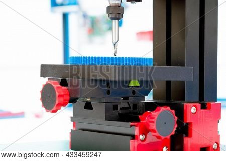 Precision milling and drilling machine in the precision mechanics laboratory