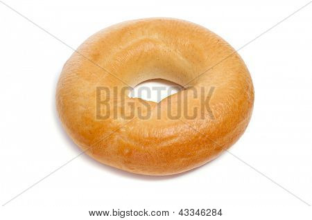 a plain bagel on a white background