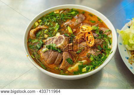 Bun Bo Hue, Bun Bo, Vietnamese Beef Noodle Soup