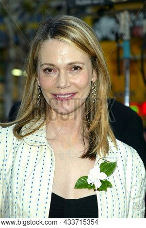 LOS ANGELES - APR 28: Peggy Lipton arrives for the ÔX2: X-Men UnitedÕ Los Angeles Premiere on April 28, 2003 in Hollywood, CA