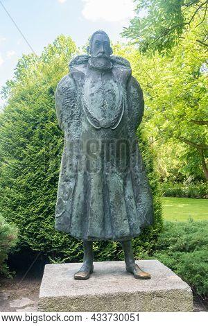 Czarnolas, Poland - June 10, 2021: Monument Sculpture To Jan Kochanowski. Jan Kochanowski Was Polish