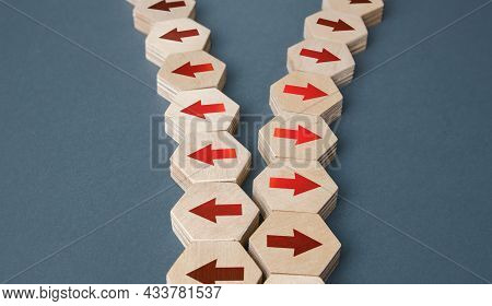 The Chain Of Arrows Is Being Disconnected. Concept Of Conflict. Division Of Business Company. Splitt