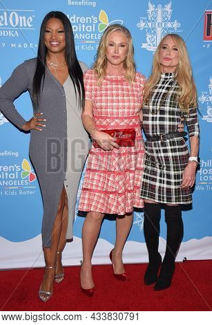 LOS ANGELES - SEP 21: Garcelle Beauvais, Kathy Hilton and Kim Richards arrives for the 16th Annual Christmas in September Benefit on September 21, 2021 in West Hollywood, CA