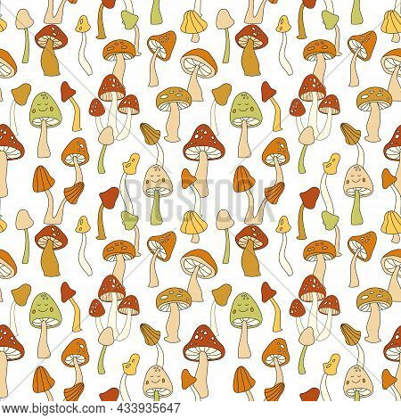 70s Retro Mushroom Vector Seamless Pattern. Groovy Vintage Floral Repeat Pattern With Fungi, Fly Aga