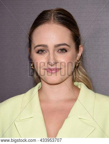 LOS ANGELES - SEP 01: Sophie Reynolds arrives for the 'Runt' Los Angeles Premiere on September 22, 2021 in Hollywood, CA