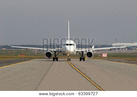 Aircraft On Taxiway