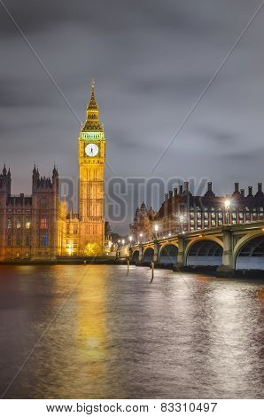 Twilight view of Big Ben and House of Parliament, London
