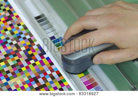 spectrophotometer verify color patches value