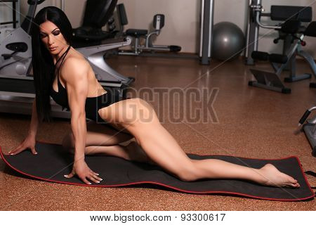 Bodyfitness Medalist Of World Ladies Cup Training In Gym