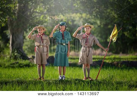 boy scouts and Guides acted homage, boy scouts