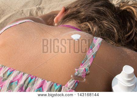 Sunscreen Sun Drawing Lotion On Suntan Back Relaxing Tanning