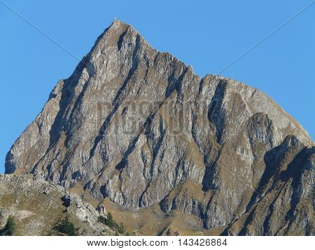 a picture with incredible mountain top. we can see even the sky merges with the earth
