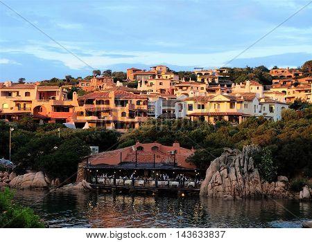 Atardecer en Porto Cervo, Costa Esmeralda, Cerdeña, Italia.