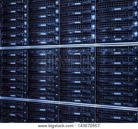 hard drive storage system in modern datacenter