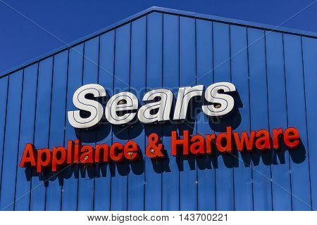 Indianapolis - Circa August 2016: Sears Appliance and Hardware Retail Location. Sears is a Subsidiary of Sears Holdings V
