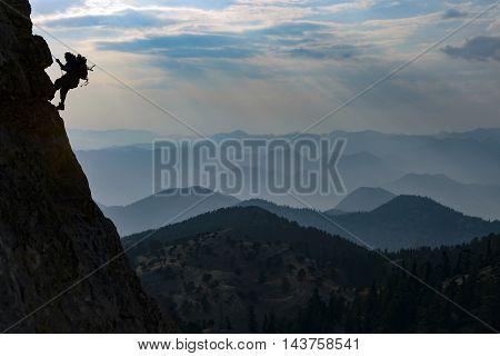 climbers who climb skyline & ciff climber work