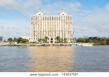 A Modern Hotel on the Savannah River