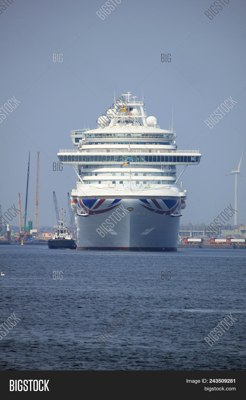 Velsen, The Netherlands - May 29th, 2018  Azura P   O Cruises On fbe3c115a5