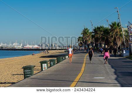 Melbourne, Australia - March 10, 2018: Boardwalk Along The St Kilda Foreshore. St Kilda Is A Fashion