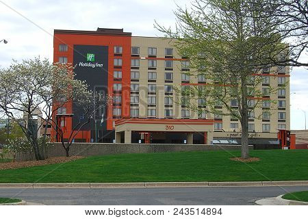 Grand Rapids, Michigan - April 17: Holiday Inn Hotel Chain On April 17, 2010 In Grand Rapids, Michig