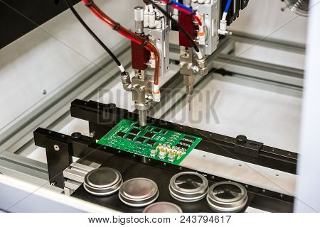 Flexible Robotic Conformal Coating And Dispensing System For Selective Coating Potting, Bead, And Me