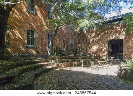 Ballarat, Victoria, Australia, 12th March 2018 - Old Gaol And Courthouse Courtyard, Now Federation U